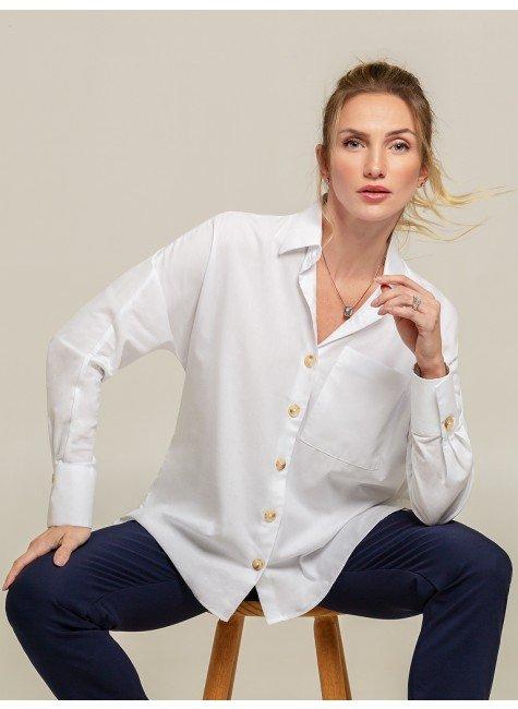 camisa modelo t branca ella frente