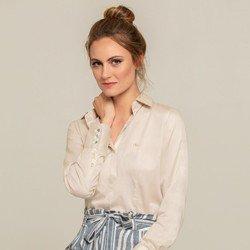 camisa social bege modelo selecionado