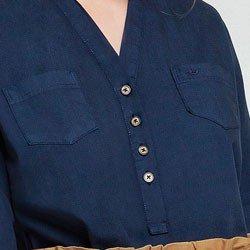 blusa azul marinho april detalhe