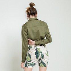 camisa verde militar dragona cassia modelagem
