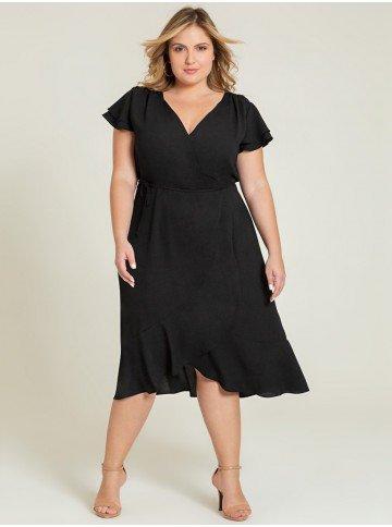 vestido plus preto transpassado alida frente