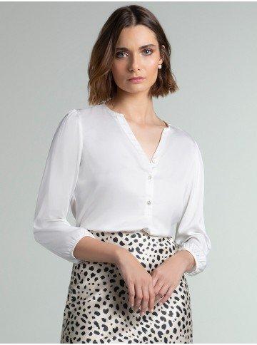blusa de cetim off white jenny frente