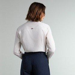 camisa bege com abotoadura lucy modelagem