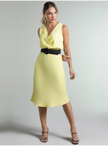 vestido amarelo transpassado daya frente