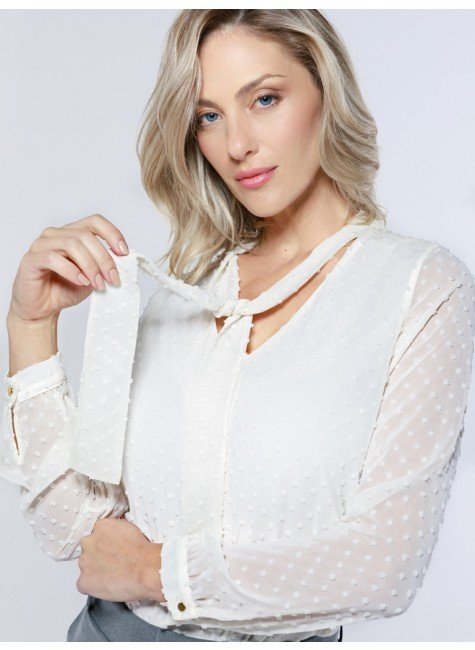 blusa feminina gola laco off white eugine look